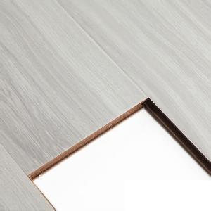 地板使用瓷砖好还是木地板好?